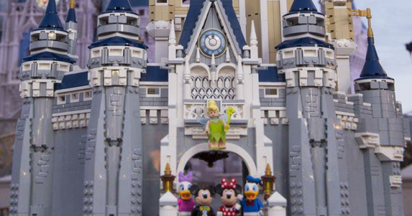 LEGO與迪士尼重大合作標記 LEGO 71040 Disney World Cinderella's Castle 公佈