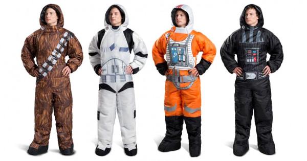 變身黑武士訓覺 !  冬天必備 Star Wars 穿著式睡袋 !