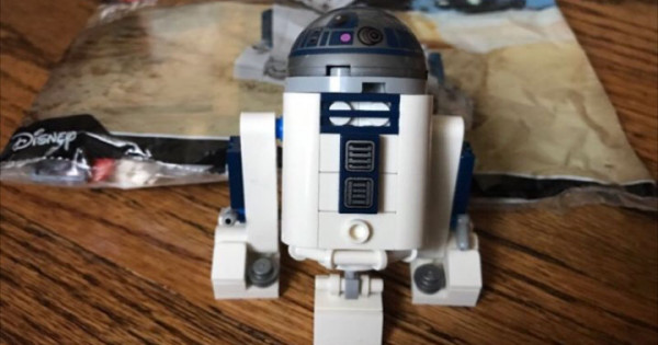 今次有得砌有得郁 LEGO Star Wars 30611 R2-D2 Polybag